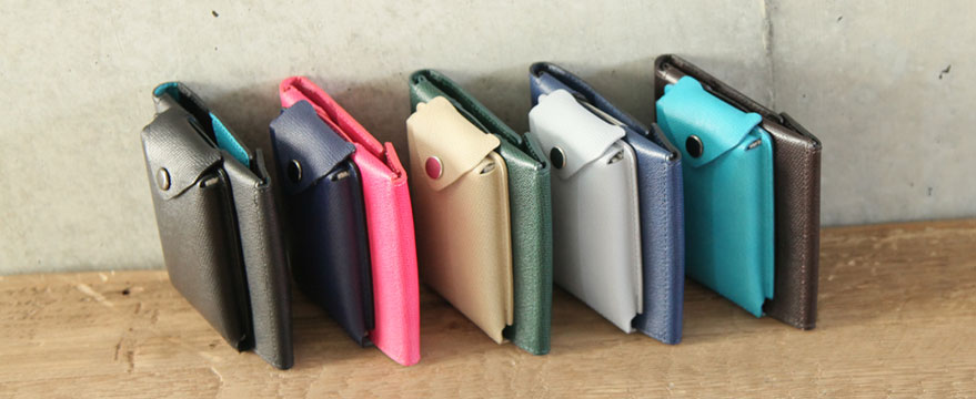 http://superclassic.jp/user_data/2015renew/img/products/thincardcase/img015.jpg